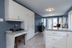 15 Whalings Cir-small-009-11-Kitchen-666x444-72dpi