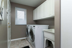 15 Whalings Cir-small-021-2-Laundry-666x444-72dpi