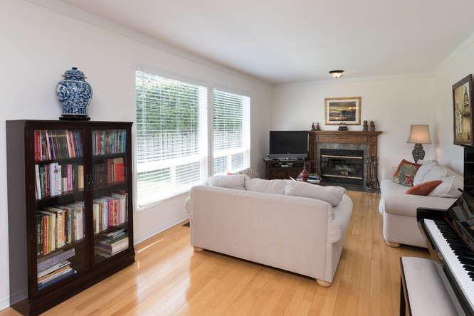 3 Shipley Crescent-small-010-31-Family Room-666x444-72dpi