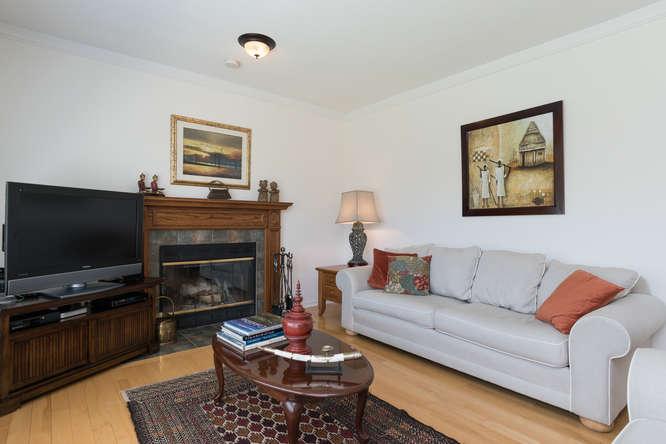 3 Shipley Crescent-small-011-22-Family Room-666x444-72dpi