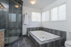3 Shipley Crescent-small-016-24-Master Bedroom Ensuite-666x444-72dpi