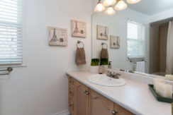 3 Shipley Crescent-small-020-14-Main Bathroom-666x444-72dpi