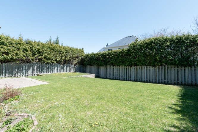 3 Shipley Crescent-small-026-20-Back Yard-666x444-72dpi